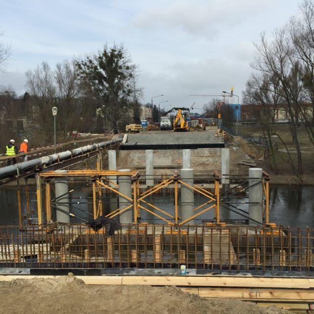Przebudowa mostu w ciagu DW nr 560 w m. Brodnica